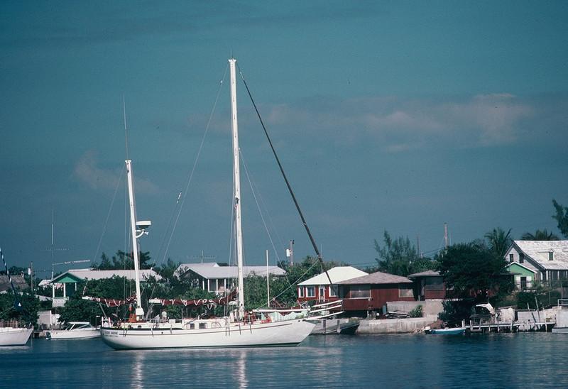 1981.11 Lucky Goose Hopetown