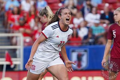 Alexia Putellas celebrates her goal (0-1)
