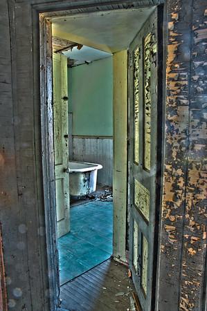 Russell House Bathroom