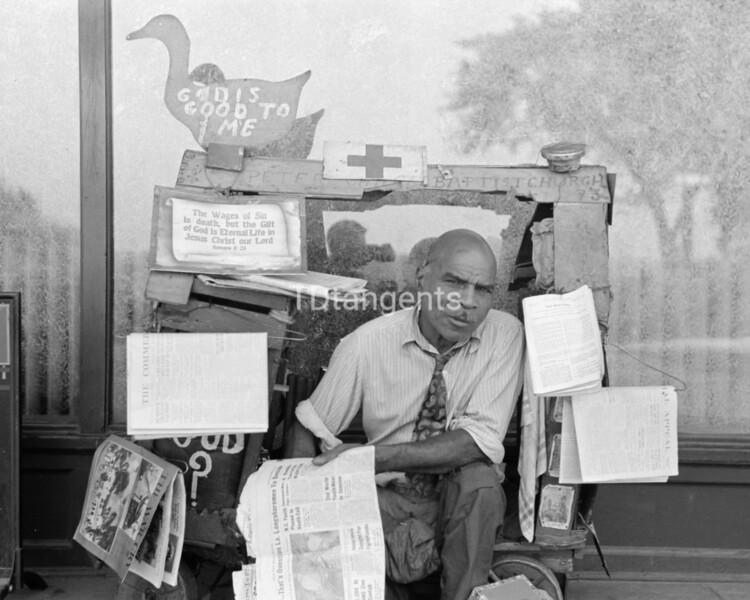 Newsstand, Memphis, Tennessee, 1938