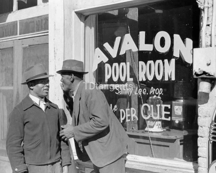 Poolroom on Beale Street, Memphis, Tennessee, 1939