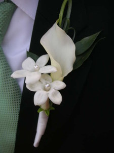 Stephanotis with pearls+ calla lily $28