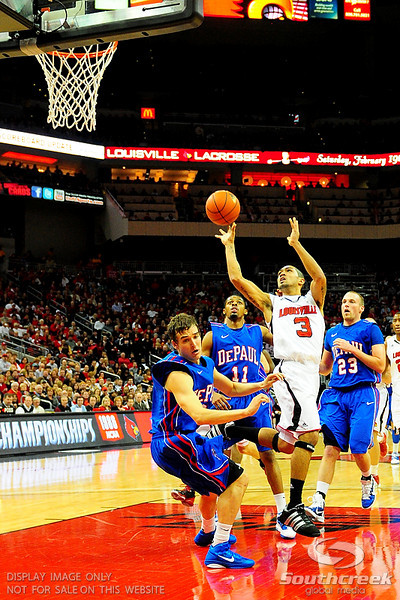 .(15) Louisville Cardinals tied with DePaul Blue Demons 34-34 in the first half at the KFC Yum Center in Louisville, Kentucky.