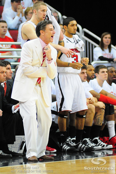 .(16) Louisville Cardinals (4) Pittsburgh Panthers at the KFC Yum Center in Louisville, Kentucky.