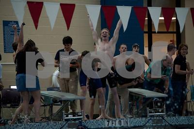 winning 200 FR relay