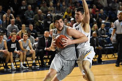 Berry Basketball (NCAA) - Elijah Hirsh