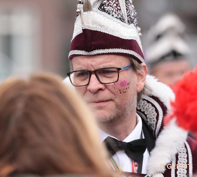 Kempenoptocht 2019; prins carnaval heeft een verantwoordelijke taak, dat zie je zo.