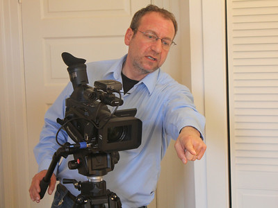Alex Goldenberg, directs. ________________________________________________________________________________________ Filming at the home of Jim Van Buskirk, San Francisco, on March 19th, 2011.  Jim also served as the interviewer for this segment.
