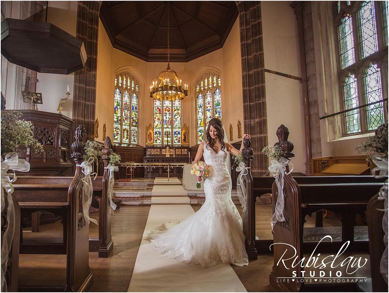 #aberdeenwedding #aberdeenweddingphotographer #clunycastlewedding #clunycastle #weddingphotographyatclunycastle