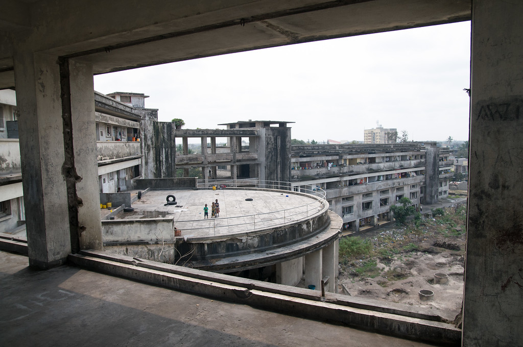 2008-40. The Grande Hotel in Beira.