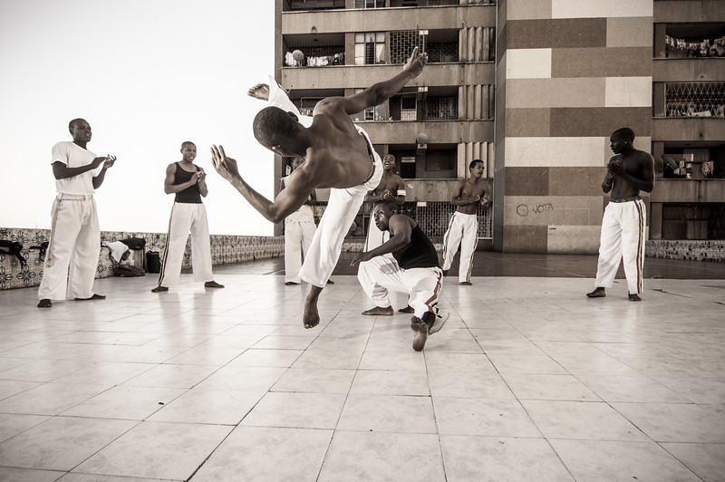 2010-28 Beira - Kapoeira at the third floor of the Beira Twin tower.