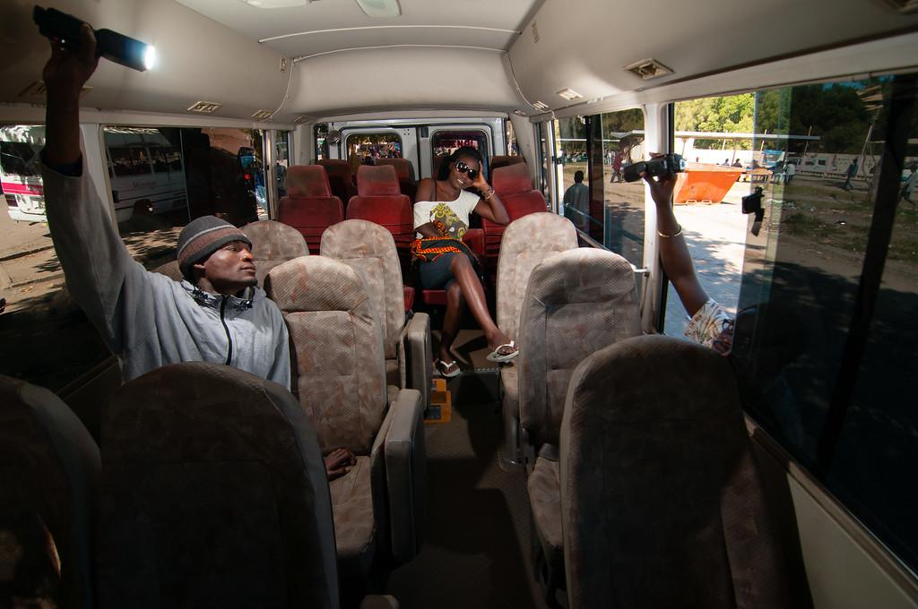 2011-29. Glam in the bus. Model Di.