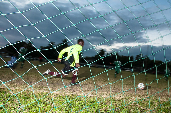 2009-29 Beira - Soccer, Pungue against Idontknow. The last goal. Result 7:0 for Pungue.