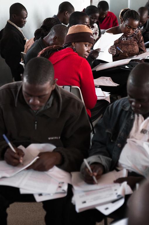 2009-31 Chimoio - Exam of Distancelearning students of the Centro de Ensino a Distancia.