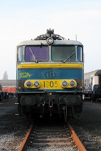 2) 1605 at Oostende Depot on 12th November 2011
