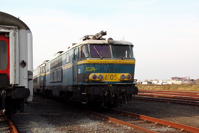 3) 1605 at Oostende Depot on 12th November 2011