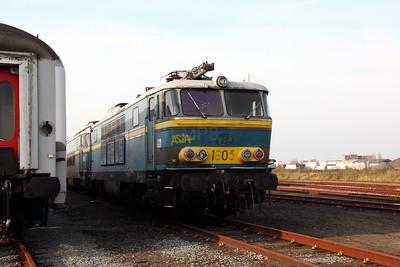 3) 1605 at Oostende Depot on 12th November 2011