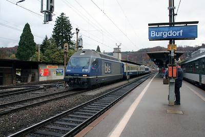 2) BLS, 465 018 at Burgdorf on 5th November 2005