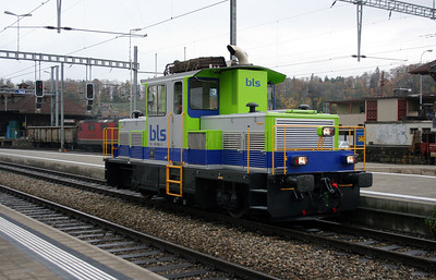 1) BLS, 235 093 at Spiez on 5th November 2005