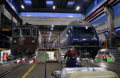 BLS, 190 & 465 018 at Spiez Depot on 5th November 2005