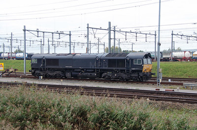 DE 685 (92 80 1266 117-1 D-DISPO) at Kijfhoek Yard on 24th October 2015 (2)