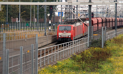 DB, 189 085 entering tunnel under Oude Mass on 24th October 2015 (2)
