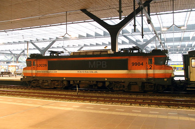 1) Locon, 9904 (91 84 1570 831-5 NL-LBL) at Rotterdam Centraal on 24th Ocotber 2015 working Mercia Charters Railtour