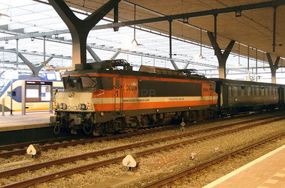 2) Locon, 9904 (91 84 1570 831-5 NL-LBL) at Rotterdam Centraal on 24th Ocotber 2015 working Mercia Charters Railtour