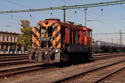 2) A23 027 (98 55 0319 027-6) at Dunaujvaros on 5th October 2013