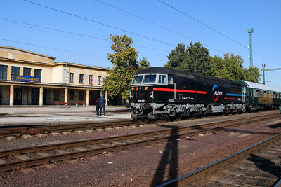 2) Floyd, 659 002 (92 55 0659 002-3 H-FLOYD ex UK 56115) at Dunaujvaros on 5th October 2013