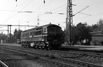 4) Floyd, 659 002 (92 55 0659 002-3 H-FLOYD ex UK 56115) at Dunaujvaros on 5th October 2013