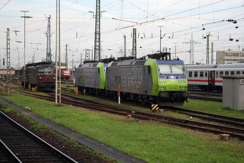 BLS, 485 010 at Basel Badischer Bf on 30th September 2006