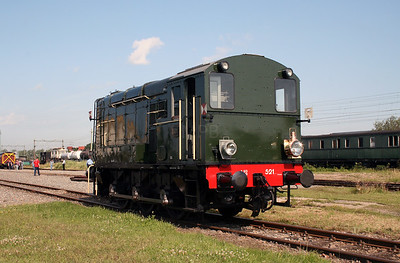 1) 521 at Goes Museum on 8th July 2007