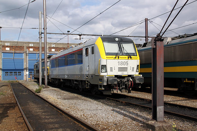 1) 1805 (uic 91 88 0018 005-4 BE-SNCB) at Kinkempois Depot on 5th September 2009