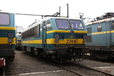 2744 at Kinkempois Depot on 5th September 2009