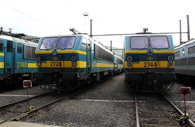 2728 & 2744 at Kinkempois Depot on 5th September 2009
