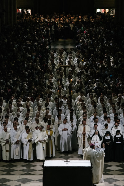 12-04-2017 à Paris, Messe du Mercredi saint à Notre-Dame.