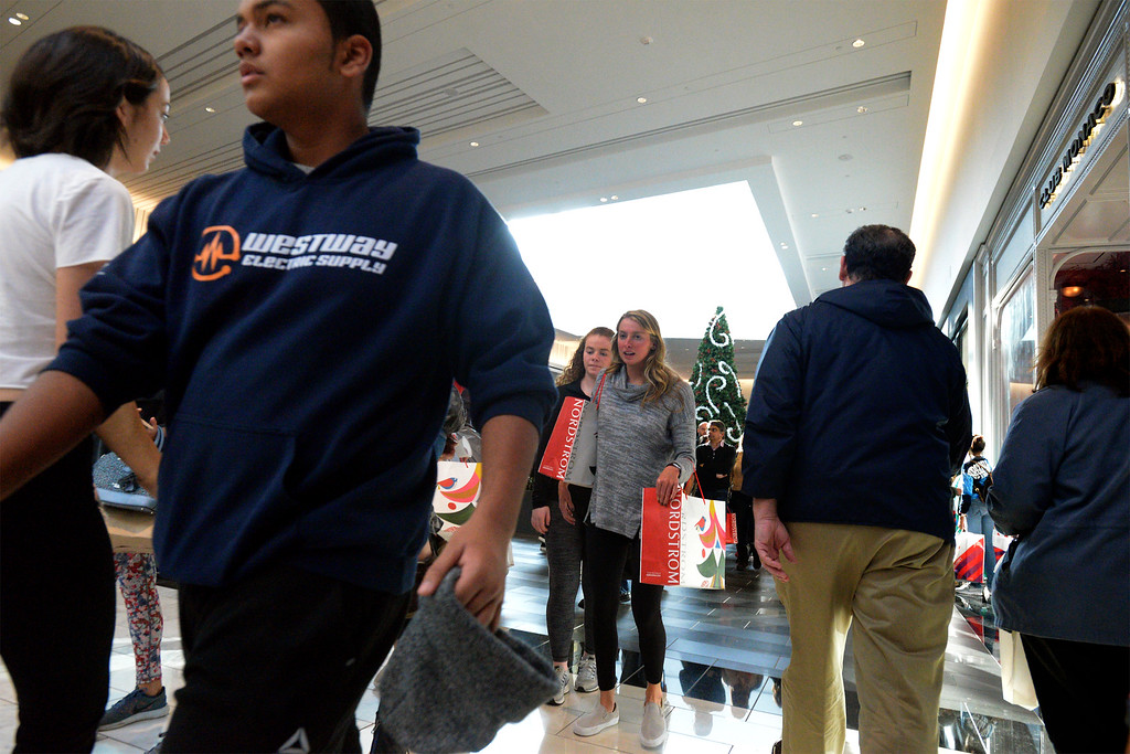 . Shoppers roam King of Prussia Mall Nov. 24, 2017. (Bob Raines--Digital First Media)