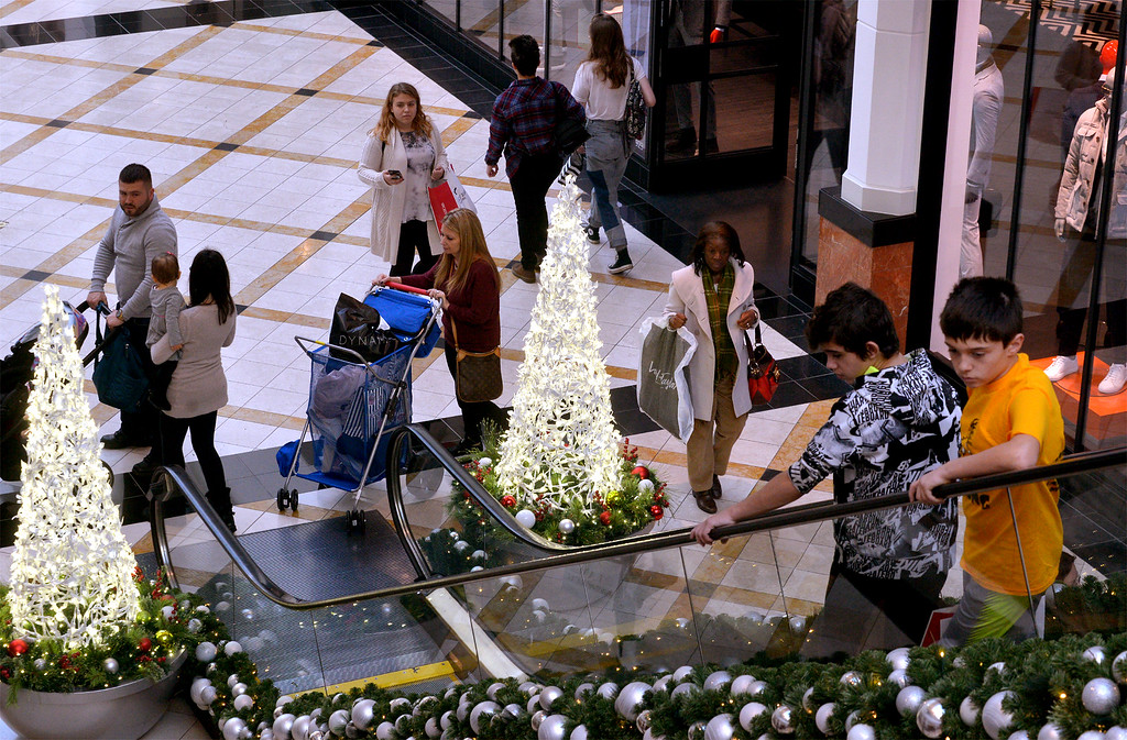 . A view of shoppers at King of Prussia Mall Nov. 24, 2017. (Bob Raines--Digital First Media)