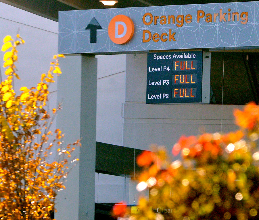 . A message board tells shoppers the Orange parking lot is full King of Prussia Mall Nov. 24, 2017. (Bob Raines--Digital First Media)