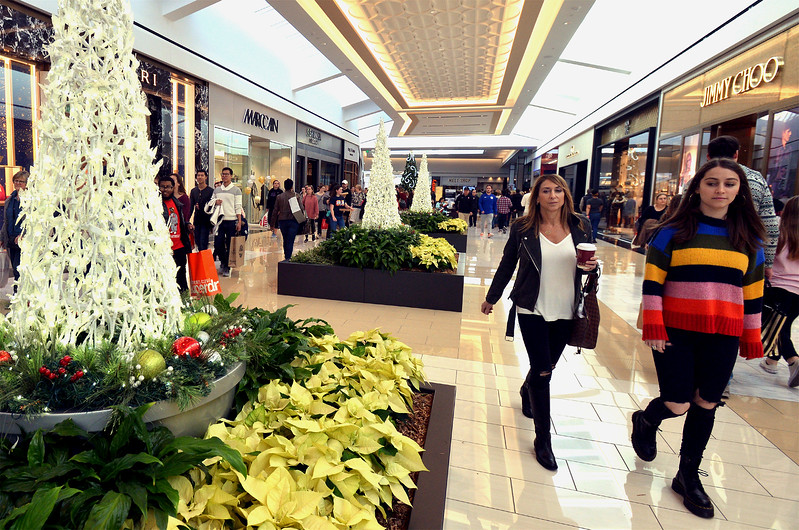 Shopper roam through King of Prussia Mall decked out for the holidays Nov. 24, 2017. (Bob Raines--Digital First Media)