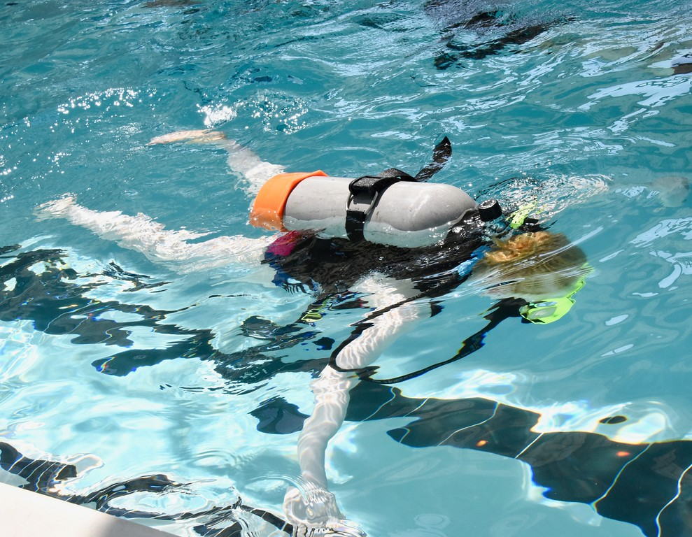 . Jesi Yost - Digital First Media  Naima Smith, 12, of York, scuba dives for the first time.