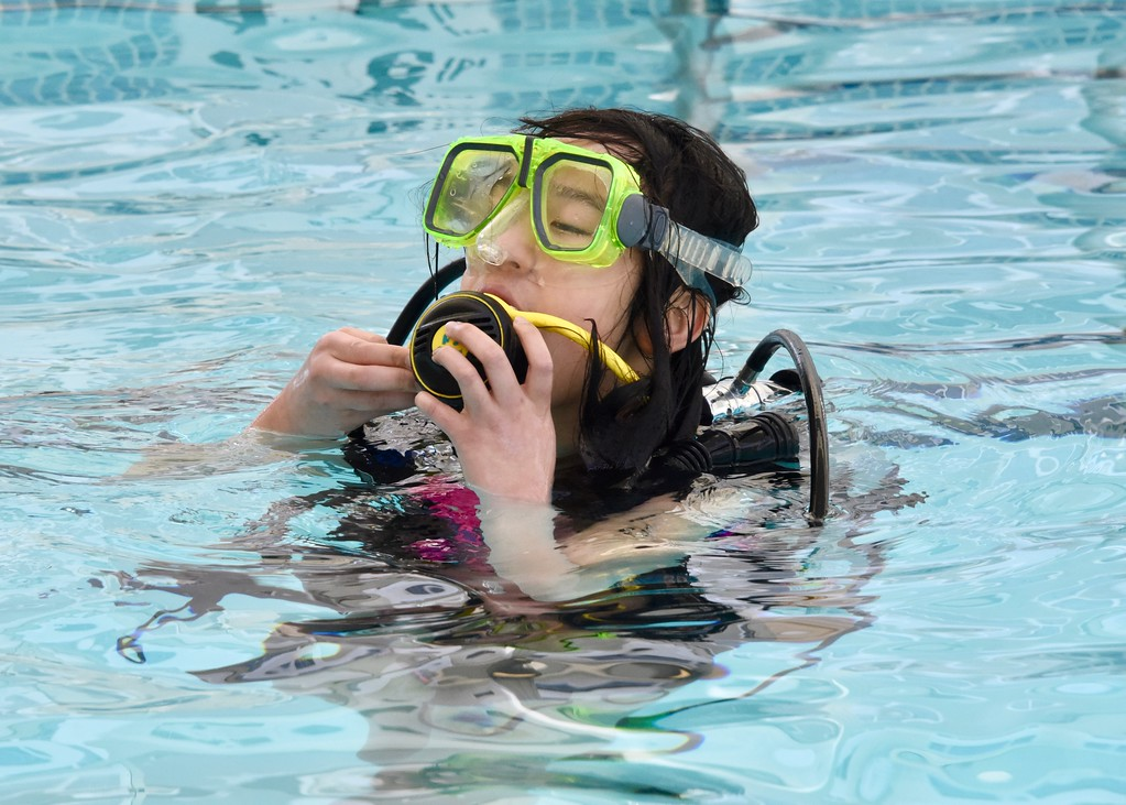 . Jesi Yost - Digital First Media  Annie Harnish, 12, of Lebanon, scuba dives for the first time.