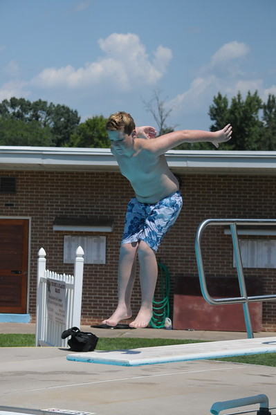 Families enjoy the pool at North End Swim Club in Pottstown August 1, 2017. Gene Walsh — Digital First Media