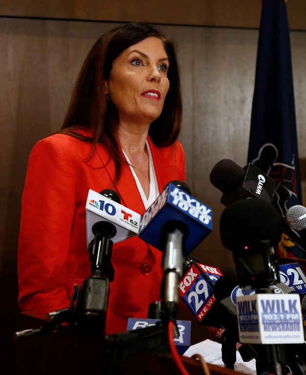. Pennsylvania Attorney General Kathleen Kane speaks during a news conference in Scranton, Pa., Tuesday, Feb. 16, 2016. Kane said she will not seek a second term, facing pressure from within her own party after being hobbled for months by criminal perjury charges and the suspension of her law license. (AP Photo/Rich Schultz)