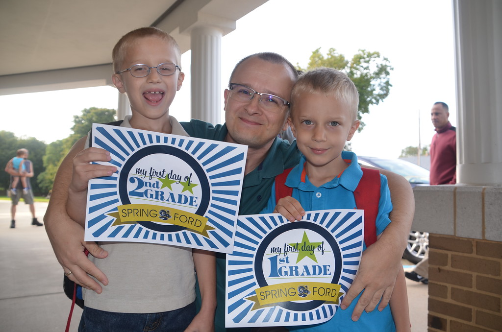 . Students and parents are all smiles at Royersford Elementary School on the first day. Submitted photo
