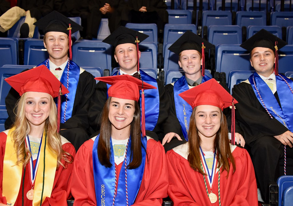 . Photo by Jesi Yost Class  President,  Sam  Longacre,  Public  Relations  Officer,  Martin  Davidheiser,  Vice  President,  Jimmy  Towers,  Treasurer,  Connor  Sargent  (back  row)  Salutatorian,  Hallie  Paules,  Secretary  Jennifer  O�Connor,  and  Valedictorian  Taylor  Winner  (front  row).