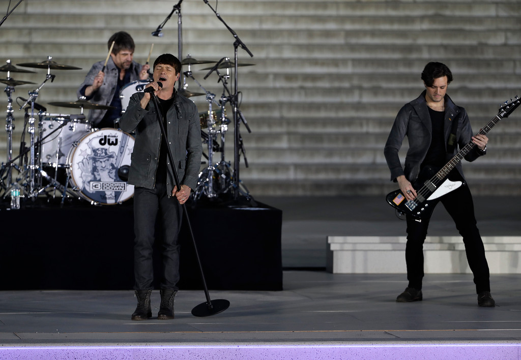 ". 3 Doors Down perform at a pre-Inaugural \""Make America Great Again! Welcome Celebration\"" at the Lincoln Memorial in Washington, Thursday, Jan. 19, 2017. (AP Photo/David J. Phillip)"