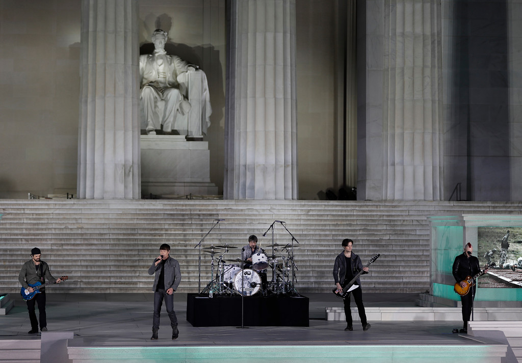 """. 3 Doors Down performs at a pre-Inaugural \""""Make America Great Again! Welcome Celebration\"""" at the Lincoln Memorial in Washington, Thursday, Jan. 19, 2017. (AP Photo/David J. Phillip)"""