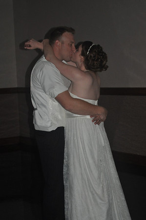 Joe&Crystal Wedding - Bride & Groom Dance
